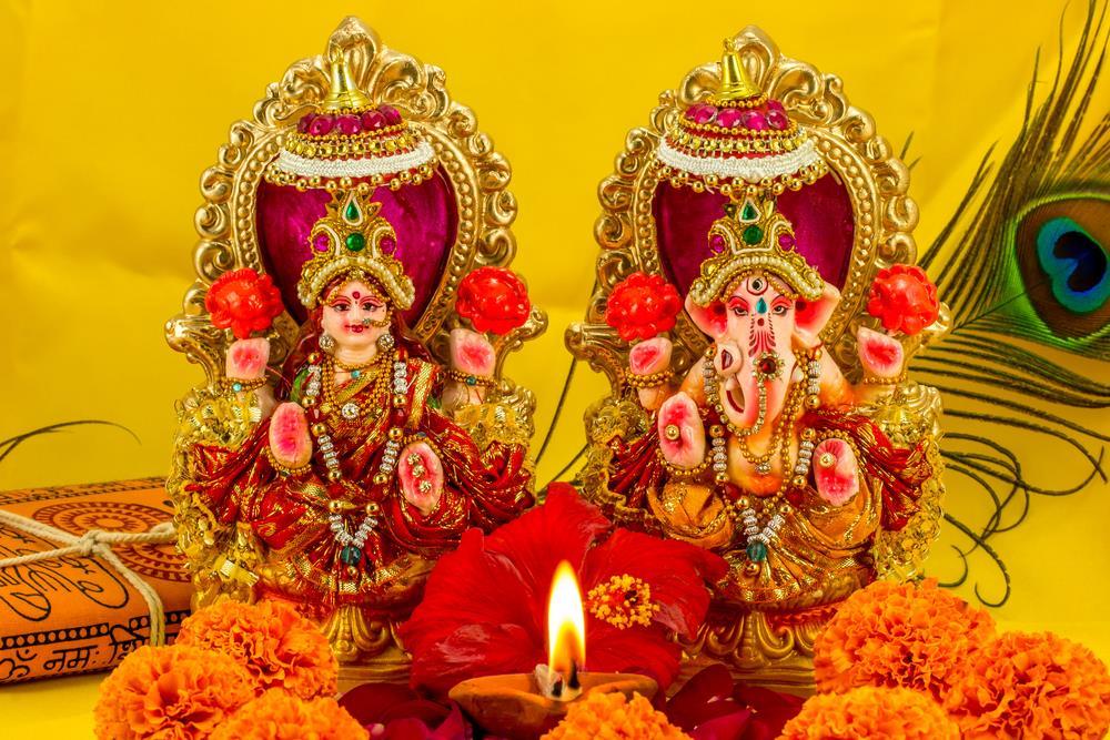 Download Free HD Wallpapers of Maa laxmi(lakshmi) Devi | Maa
